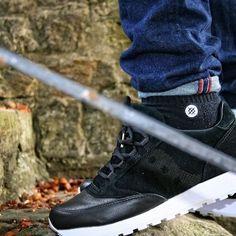 """Saucony Originals Jazz Original Lux Black Saucony feiert mit dem """"Jazz Original Lux Black"""" den 35. Geburtstag ihrer ikonischen Silhouette. Zu diesem Anlass veröffentlicht das Brand ein Upadte des Schuhs in einer grandiosen Optik und Qualität der ausgewählten Materialien. Weiter Bilder auf der Homepage... #shoes #shoe #kicks #sauconyoriginals  #instashoes #instakicks #sneakers #sneaker #sneakerhead #sneakerheads #solecollector #soleonfire #nicekicks #igsneakercommunity #sneakerfreak…"""