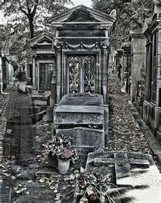 Never before, nor since, have I seen such a beautiful cemetary. Cemetery Statues, Cemetery Art, Angel Statues, Ghost Images, Ghost Pictures, Old Cemeteries, Graveyards, Pere Lachaise Cemetery, Ghost And Ghouls