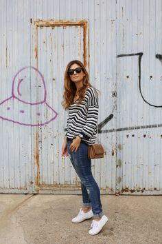 NAVY SWEATER AND TOUS BAG