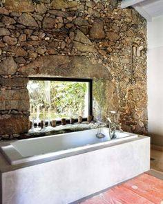 Le mur en pierre apparente en 57 photos!   Guest cabin, Bath ideas ...