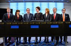 Efter krisen kring Decemberöverenskommelsen finns all anledning att fundera över demokratin i Sverige. Dagens partikulturer innebär att det som kommer uppifrån lovordas utan ifrågasättanden. De som går emot får betala ett högt pris. Därför krävs åtgärder för att bättre försvara väljarnas intressen, skriver Finn Bengtsson och Rolf K Nilsson, som nu grundar en stiftelse med syfte att försvara demokratin.