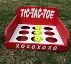 Cover table with brown paper and have tic-tac-toe already drawn on and crayons on the table Halloween Carnival Games, School Carnival Games, Diy Carnival Games, Fall Carnival, Carnival Birthday Parties, Carnival Themes, Circus Birthday, Fall Festival Games, Family Fun Night