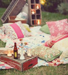 I'm in love with the idea of an outdoors movie party. @Elizabeth Lockhart Smith lez do this!!! #anthropologie #pintowin