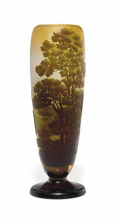 A GALLÉ DOUBLE-OVERLAY CAMEO GLASS 'PAYSAGE' VASE -  CIRCA 1910