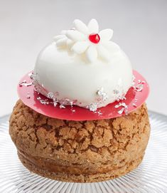 Learn to cooking our recipe:Vanilla & Strawberry Choux by Alon Goldman Cook & Chef Institute