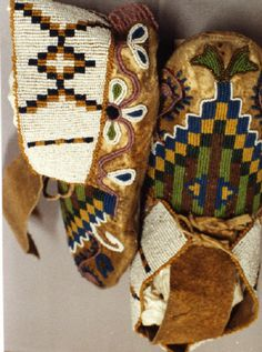 Blackfoot mocs from the Glenbow Alberta Institute collections n. Native American Girls, Native American Clothing, Native American Pictures, Native American Beauty, Native American Artifacts, Native American Beadwork, American Indian Art, Native American Tribes, Native American History