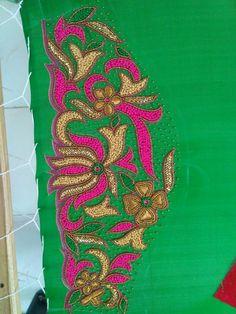 Blouse Neck Patterns, Cotton Saree Blouse Designs, Best Blouse Designs, Bridal Blouse Designs, Aari Embroidery, Embroidery Designs, Big Rangoli Designs, Samantha Images, Raw Silk Fabric