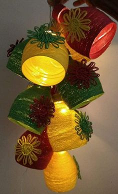 How to make decorative hanging from bottle - Simple Craft Ideas Diy Crafts Hacks, Diy Home Crafts, Diy Arts And Crafts, Creative Crafts, Handmade Crafts, Easy Crafts, Plastic Bottle Crafts, Diy Bottle, Wine Bottle Crafts