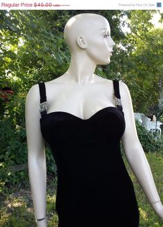 35 OFF SALE Stretchy 80s Evening Gown in Black by gottagovintage1, $29.25