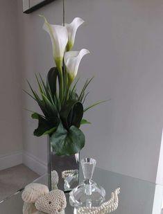Calla Lily in Tall Mirror Cube | RTfact | Artificial Silk Flowers