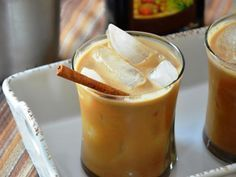 Have a coffee craving and want to save some cash? Try our At Home Iced Coffee. It's super easy and delicious! Greek Desserts, Summer Desserts, Greek Recipes, Summer Beverages, Food Network Recipes, Food Processor Recipes, The Kitchen Food Network, Cupcakes, Smoothie Drinks