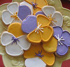 cute pansy cookies