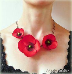 Vlčí máky Náhrdelník s květy máku... Autorský náhrdelník s květy ze saténu cdbf936875