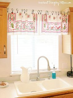 Quick and easy valance made from an old table cloth!
