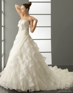 aire barcelona 2012 wedding gown