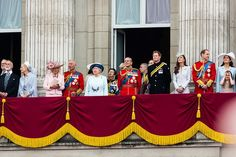 Queen Elizabeth hosts Christmas lunch for members of the Royal Family – Royal Central