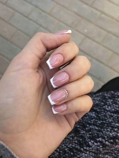14 Trends French Nails Ideas To Try in 2019 Aycrlic Nails, Gray Nails, Dope Nails, Bling Nails, White Tip Acrylic Nails, Square Acrylic Nails, Nails With White Tips, Fancy Nails, Pretty Nails