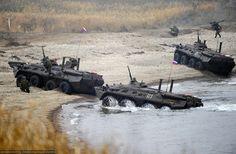 Τύμπανα πολέμου στην Κριμαία - Η ρωσική Νότια Στρατιωτική Διοίκηση σε πλήρη…