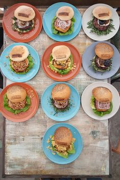 Plano cenital de parte de la carta de hamburguesas 2016 de Timesburg.