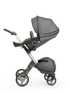 Quality pram with Scandinavian design. A from birth solution with a wide range of innovative configurations to grow with your baby. With adjustable height.