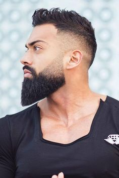 Complete Guide To The World Of The Best Beard Styles Trimmed Beard ★ The best long full and short trimmed fade beard styles for men. Learn all the best mens beard shape options including Arab and black men. Trimmed Beard Styles, Faded Beard Styles, Long Beard Styles, Beard Styles For Men, Hair And Beard Styles, Black Man Beard Styles, Viking Beard Styles, Short Hair With Beard, Hair Styles