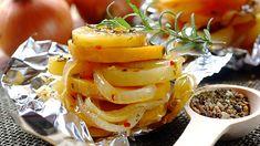 Potato, Onion and Butternut Stacks Baked in Foil Braai Recipes, Vegetarian Recipes Dinner, Dinner Recipes, Healthy Recipes, Healthy Meals, Easy Recipes, My Favorite Food, Favorite Recipes, Baked Vegetables
