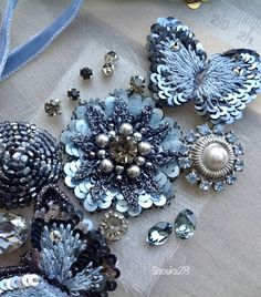 lovely--Etincelle Creative STUDIO: Course at Lesage in Paris Zardozi Embroidery, Bead Embroidery Patterns, Tambour Embroidery, Couture Embroidery, Bead Embroidery Jewelry, Beaded Jewelry Patterns, Embroidery Fashion, Hand Embroidery Designs, Floral Embroidery