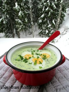 Se vähän parempi pinaattikeitto / Tinskun keittiössä ja Tyynen kaa Food N, Food And Drink, Healthy Cooking, Healthy Recipes, Finnish Recipes, Soup Recipes, Cooking Recipes, My Cookbook, Bon Appetit