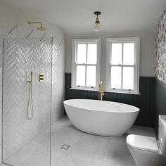 Modern Bathroom Design, Bathroom Interior Design, Small Bathroom Layout, Best Bathroom Designs, Modern Vintage Bathroom, Bathroom Design Inspiration, Modern Master Bathroom, Cool Bathroom Ideas, Master Bathroom Remodel Ideas
