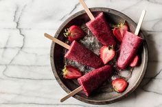 Roasted Strawberry Red Wine Popsicles // Pasty Affair