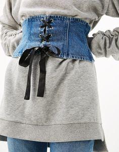 Fajín denim. Descubre ésta y muchas otras prendas en Bershka con nuevos productos cada semana