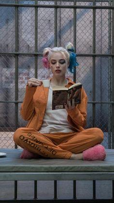 "Margot Robbie as Harley Quinn in Suicide Squad"" Joker Y Harley Quinn, Harley Quinn Drawing, Margot Robbie Harley Quinn, Harley Quinn Cosplay, Harely Quinn And Joker, Harley Queen, Hearly Quinn, Suicide Squad, Der Joker"