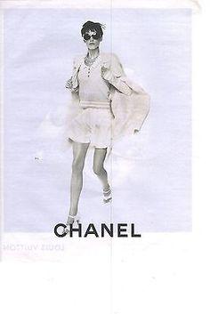 PUBLICITE ADVERTISING 2011 CHANEL short pull et manteau blancs haute couture 3dc0602de5d