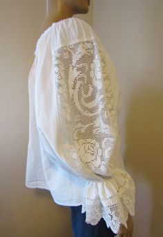 Vintage Romanian peasant blouse from Transylvania with lace size M or M/L Making Clothes, How To Make Clothes, Peasant Blouse, Tunic, Beautiful Blouses, Surface Design, Smocking, Shake, Casual Wear