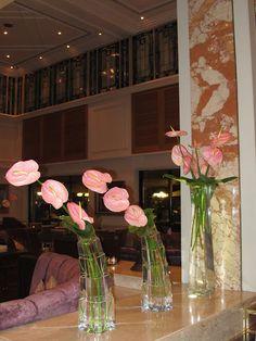 ARRANJOS DO HOTEL FOUR SEASONS AT THE BOSPHORUS , CRIADOS TAMBÉM POR JEFF LEATHAM , O MESMO DO GEORGE V EM PARIS