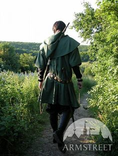 Bowman Tunic Surco Medieval Fantasy Costume - Simplicity 5840 for hood and yoke \  Simplicity 3519 for long shirt