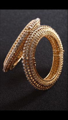 Abhikhhya's one of the most beautiful creations. A pair of elegant bangles handcrafted using 120 grams of gold and 13 carat of diamonds specially designed by Manasi Shah. Design inspired by intricate Indian art. Affordable Jewelry, Stylish Jewelry, Simple Jewelry, Fashion Jewelry, Fine Jewelry, Gold Jewelry, Gold Bangles Design, Jewelry Design, Jewelry Ideas
