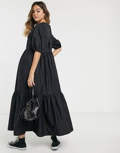 Shop ASOS DESIGN tiered cotton poplin smock midi dress in black. With a variety of delivery, payment and return options available, shopping with ASOS is easy and secure. Shop with ASOS today. Modest Long Dresses, Mob Dresses, Casual Dresses, Asos, African Maxi Dresses, Tiered Dress, Cultura Pop, Bridesmaid Dress, Cotton Dresses
