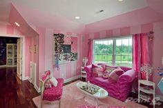 Pink Striped Walls- Craft Room?