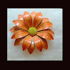 Vintage mellow orange flower pin with yellow by VINTAGEJOOLSFORYOU