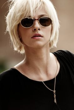 You might believe that short hair cannot fit nicely along with round face shape. Women who have a round face usually avoid trying short haircuts. However, we have delivered the Best of Layered Short Hair for Round Face which will… Continue Reading → Short Hair Styles For Round Faces, Short Hair With Layers, Hairstyles For Round Faces, Short Bob Hairstyles, Medium Hair Styles, Pixie Haircuts, Round Face Short Hair, Pixie Haircut Thin Hair, Layered Short Hair