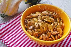 On ne jette rien et on fait croustiller les graines de courge pour en faire un snack sain à l'apéritif!