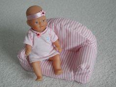Entzückende my mini Baby Born Puppe ca. 14 cm und miniworld Baby Born Sofa