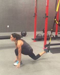 Leg day burn out! Try this at the end of your leg workout! Back to back 10-15 reps each! You'll looooove it! #alexiaclark #exerciseoftheday…