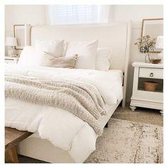 Room Ideas Bedroom, Home Decor Bedroom, Neutral Bedroom Decor, Master Bed Room Ideas, Cream Bedroom Decor, Bright Bedroom Ideas, Rooms To Go Bedroom, Beige Bedrooms, Cream Bedroom Furniture