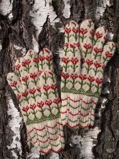Hand Knitted Seto (Estonian) Gloves with Flowers