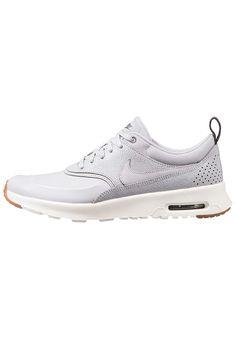 Schoenen Nike Sportswear AIR MAX THEA PRM - Sneakers laag - wolf grey/sail/midnight fog/medium brown Grijs: € 129,95 Bij Zalando (op 21-5-17). Gratis bezorging & retour, snelle levering en veilig betalen!