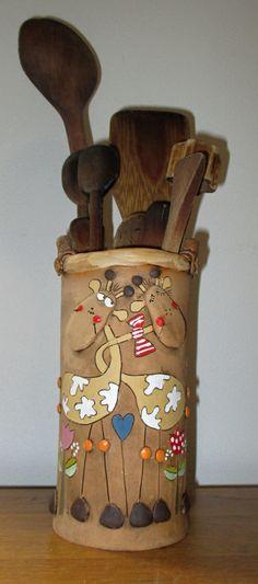 Vařechovník+Horní+vnitřní+průměr+8cm+Spodní+průměr+8,5cm+Výška+17cm Ceramic Decor, Ceramic Pottery, Ceramic Art, Clay Projects, Projects To Try, Ceramic Workshop, Giraffe Art, Clay Tools, Pottery Classes