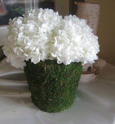 moss hydrangea wedding centerpieces