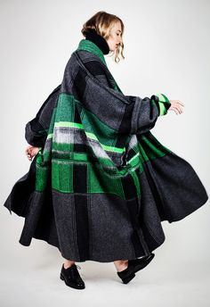 Lucinda Popp:: Women's Knitwear Design. Royal College of Art MA Collection 'The Urban Rambler'